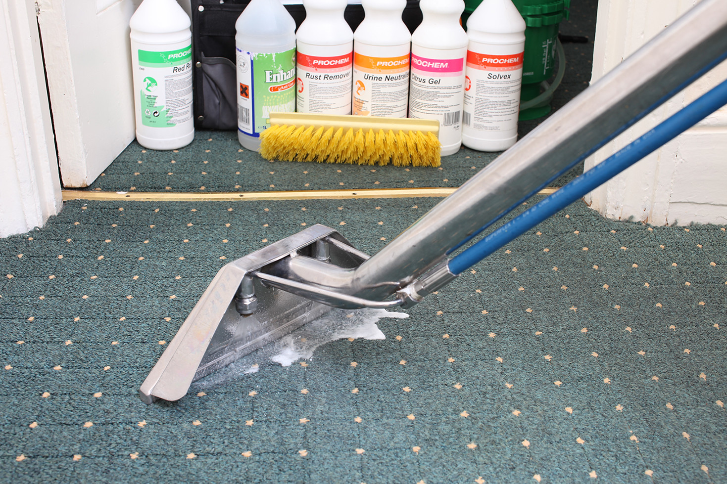 Can you use any Cleaner in the Bissell Crosswave?